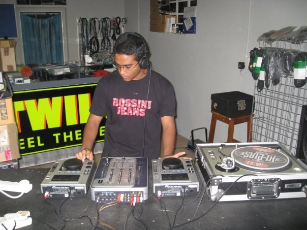 MixAcademy Dj School 2008 - Humble Beginnings 10