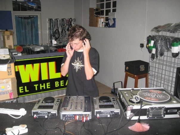 MixAcademy Dj School 2008 - Humble Beginnings 8