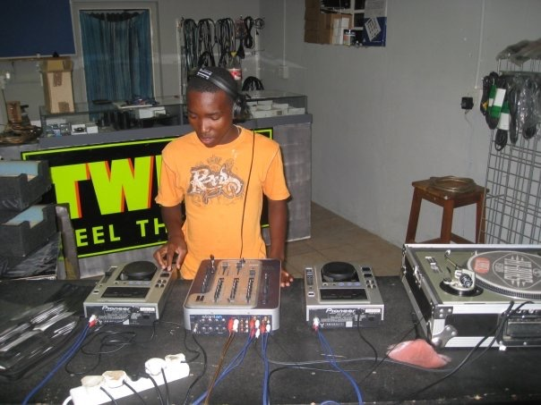 MixAcademy Dj School 2008 - Humble Beginnings 5