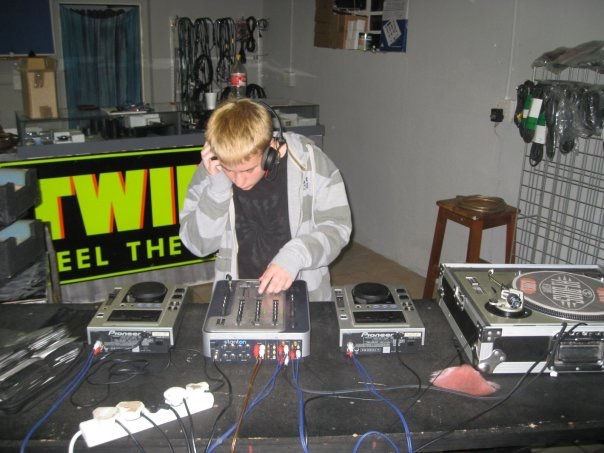 MixAcademy Dj School 2008 - Humble Beginnings 4