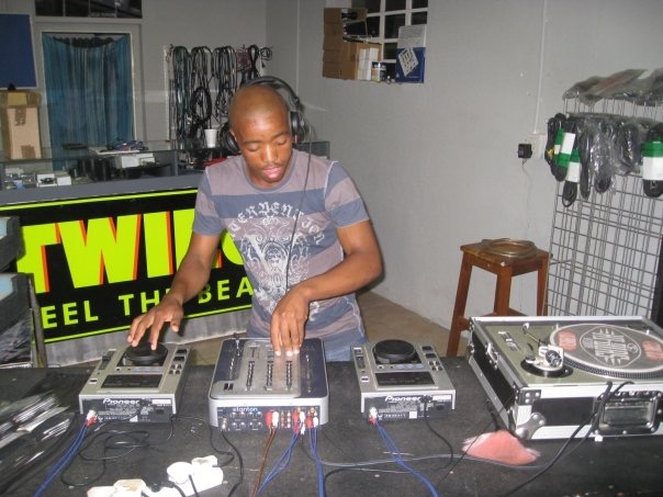 MixAcademy Dj School 2008 - Humble Beginnings